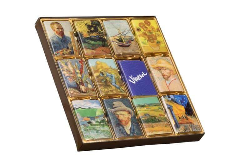 productfotografie packshot chocolade chocolade doos vincent van gogh witte achtergrond 768x512 - bewerken van productfoto's