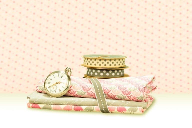 productfotografie sfeerfotografie stoffen onjuist kleurprofiel roze 768x512 - bewerken van productfoto's