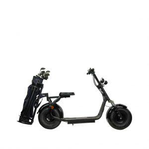 productfotografie packshot scooters golfscooter elektrische step zwart 300x300 - Productfotografie van scooters