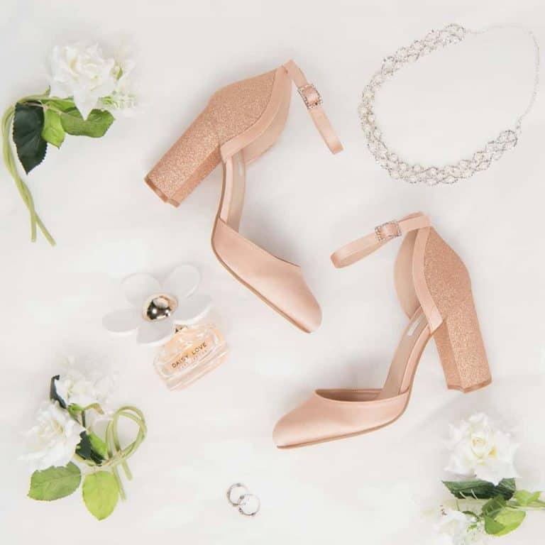 Productfotografie sfeerfotografie schoenen hakken gala roze 768x768 - Productfotografie