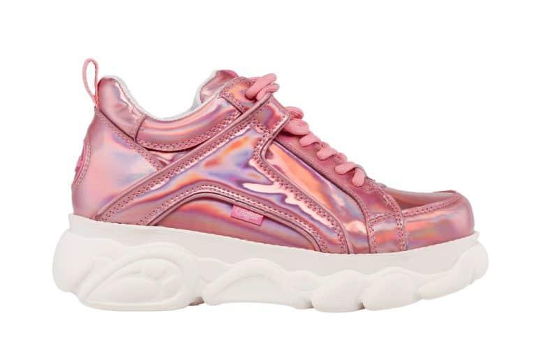 productfoto schoen witte achtergrond 768x512 - Productfotografie van schoenen
