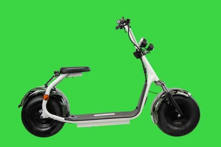 productfotografie sfeerfotografie scooters elektrische step chromakey camouflage wit 768x512 - bewerken van productfoto's