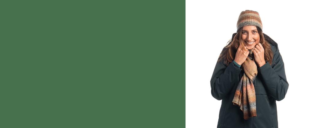 productfotografie packshot kleding jas muts sjaal model close up winter groen 1024x418 - Productfotografie van kleding