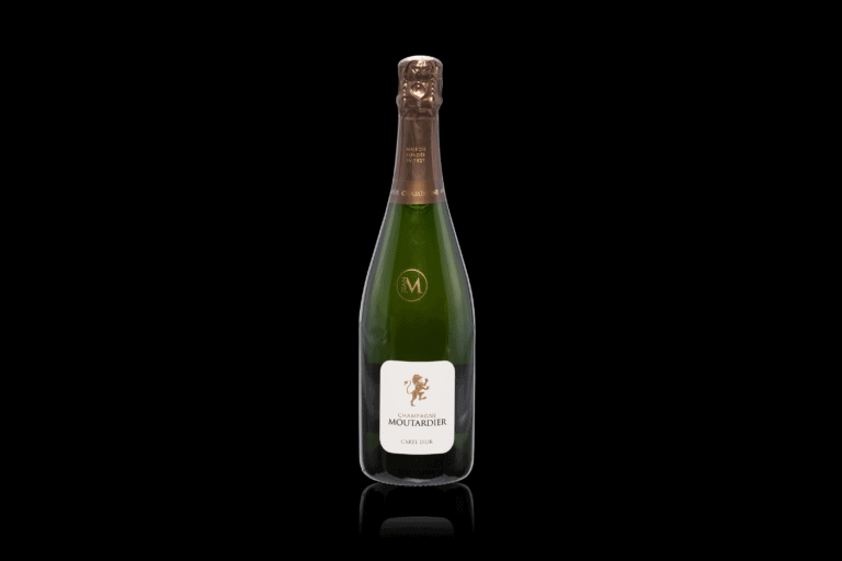 Productfotografie productfoto wijn champagne spiegeling zwarte achtergrondgroen 768x512 - productfotografie van flessen